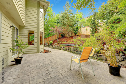 Poster Garden Walkout patio with sitting area