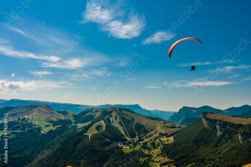 Deurstickers Luchtsport Paragliding on the sky