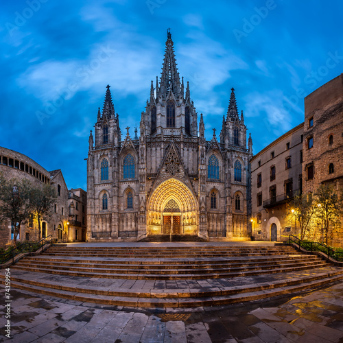 Photo Cathedral of the Holy Cross and Saint Eulalia in the Morning, Ba