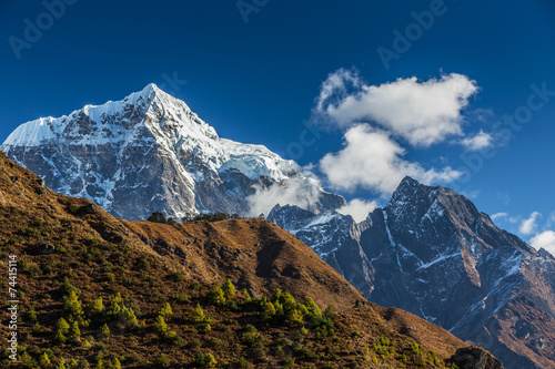 Photo  Snow covered peaks in Himalaya