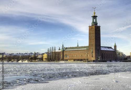 Foto  Stockholm City-hall and Riddarfjarden in winter.