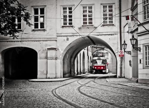 fototapeta na ścianę Czerwony tramwaj