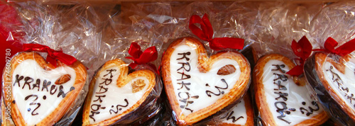 Poster Cracovie Gingerbread hearts at Christmas market in Krakow