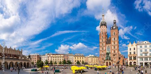 obraz lub plakat Kościół Mariacki w zabytkowej części Krakowa