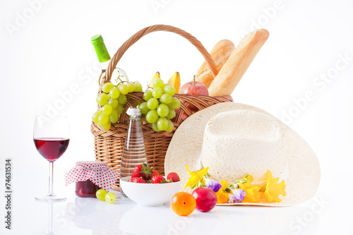 Türaufkleber Picknick White wine, fruit and picnic food