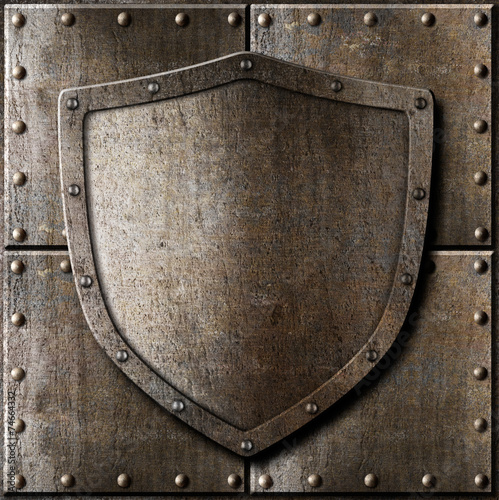 stara-metalowa-tarcza