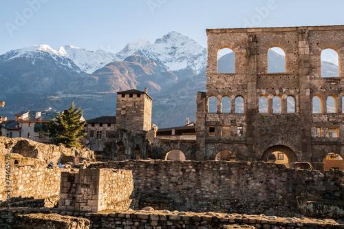 Photo Teatro Romano, Aosta, Valle d'Aosta, Italia