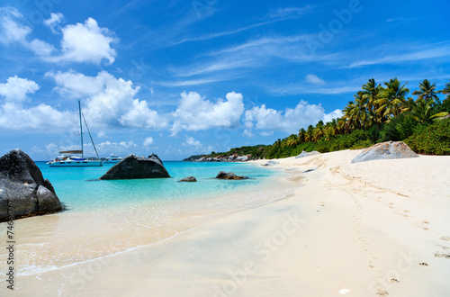 Photo sur Toile Caraibes Stunning beach at Caribbean