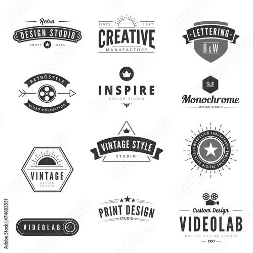 Fotografía  Vintage Retro Logos Labels vector. Typography Logo