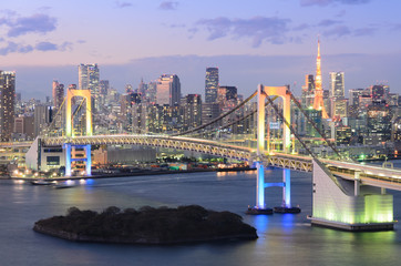 Obraz na SzkleView of Tokyo Bay, Rainbow Bridge, and Tokyo Tower