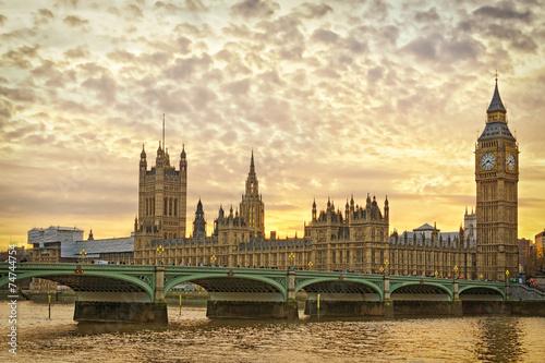 londyn-westminster-o-zachodzie-slonca