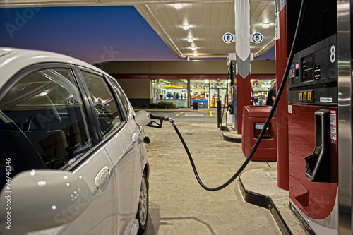 Photo  Refueling Automobile At Gas Station Convenience Store