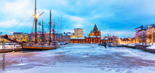 Canvas Print Winter in Helsinki, Finland