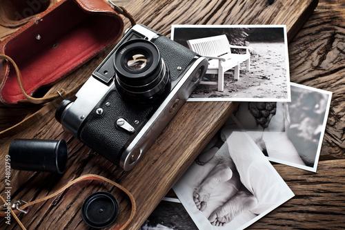 stary-aparat-dalmierzowy-i-zdjecia-czarno-biale