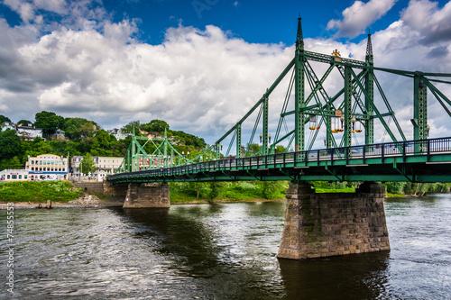 Fotografie, Obraz  The Northampton Street Bridge over the Delaware River in Easton,