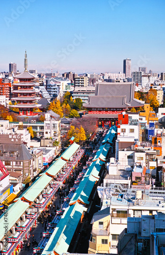 Fotobehang Tokyo ビルの上から見た浅草寺の風景