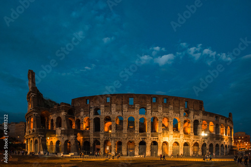 obraz lub plakat Colosseum at night in Rome, Italy