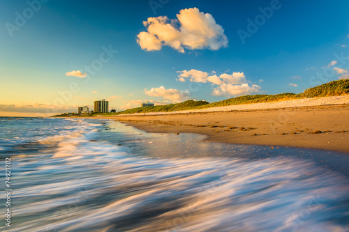 Fotografie, Obraz  Waves on the beach at Coral Cove Park at sunrise, Jupiter Island