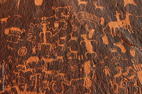 Fotografie, Obraz  Newspaper Rock Petroglyphs