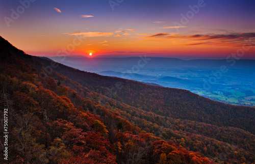 Poster Brown Autumn sunset over the Shenandoah Valley and Appalachian Mountai