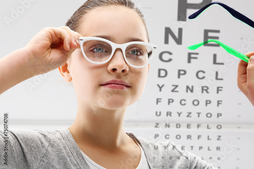 badanie-wzroku-dziecko-u-lekarza-okulisty