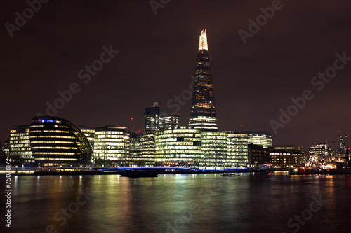 Papiers peints Londres City scenic from London UK with the Shard at night