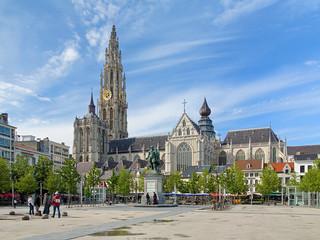 Katedrala i kip Petra Pavla Rubensa u Antwerpenu