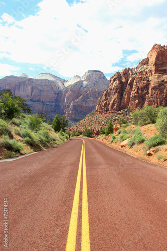 Leinwand Poster  Canyon road mountains