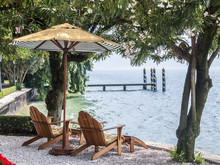 Liegestühle Am Seeufer