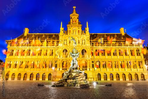 In de dag Antwerpen Antwerp, Grote Markt and town hall, Belgium