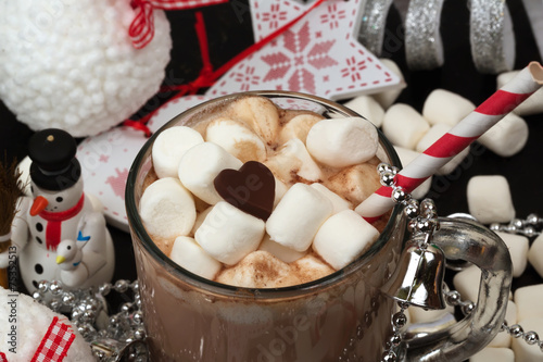Spoed Foto op Canvas Chocolade Hot chocolate with marshmallows cocoa bell love heart