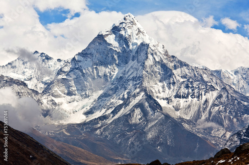 Photo  Ama Dablam mount in Sagarmatha National park, Nepal