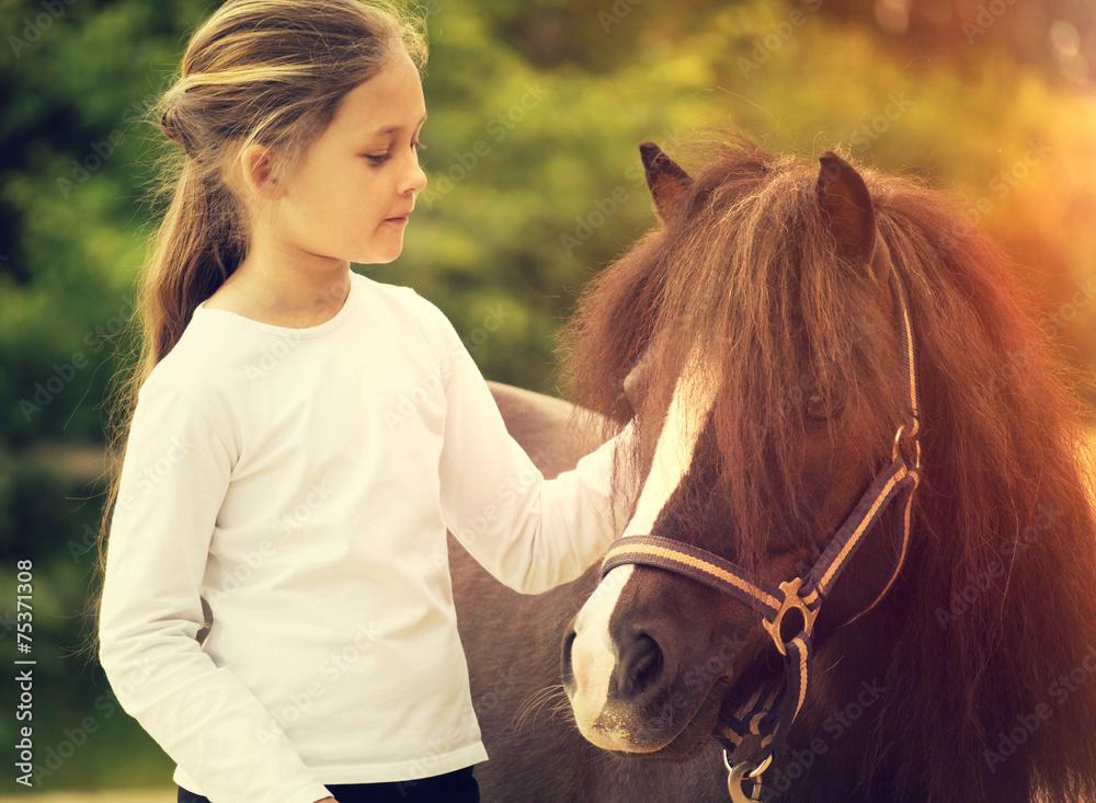 Fotografie, Obraz small child and pony
