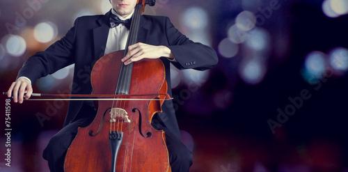 Cellist spielt klassische Musik auf Cello Fototapete