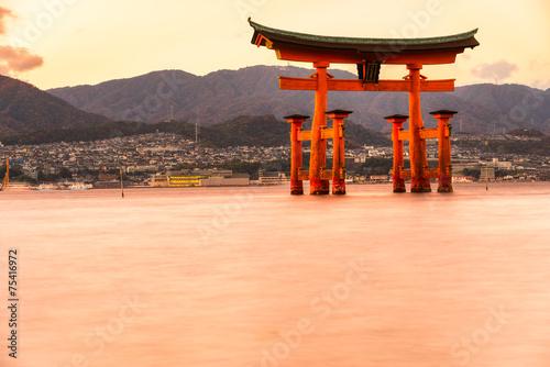 Foto op Plexiglas Japan Miyajima, The famous Floating Torii gate, Japan.