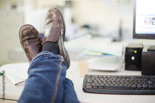 Obraz Resting at office - fototapety do salonu
