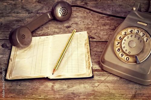 telefono e agenda del passato Canvas Print