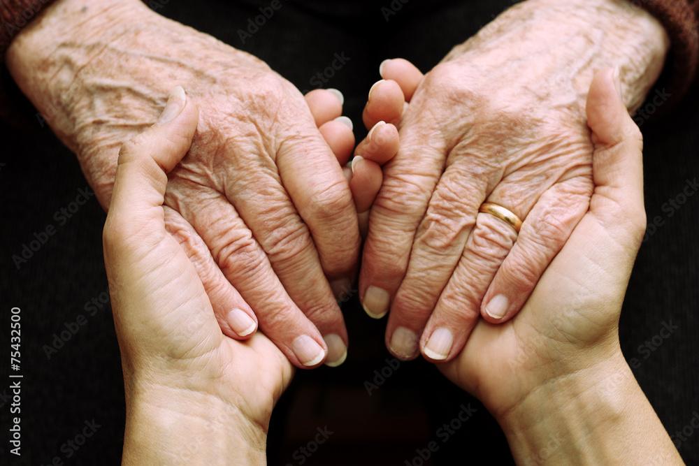 Fototapeta Sostegno e aiuto a persone anziane