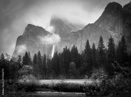 Photo Stands Gray traffic Black and White Bridalveil Falls
