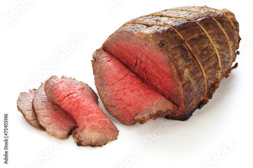 Photo  roast beef isolated on white background