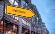 Strassenschild 23 - Reichtum