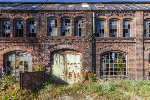 In de dag Oude verlaten gebouwen Destroyed, the historic factory hall