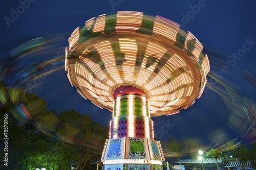 Zdjęcie XXL kolorowe karuzela w ruchu