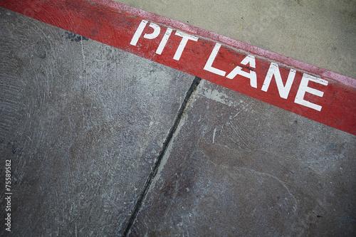 Foto op Plexiglas Motorsport Rote Linie - Boxengasse