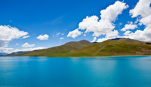 Yamdrok Lake At Tibet,china