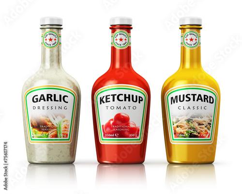 Fotografía  Set of bottles with seasonings