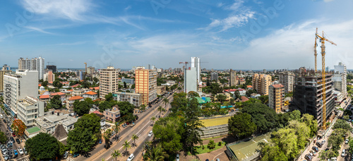 La pose en embrasure Afrique Aerial view of downtown Maputo