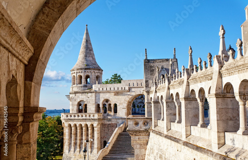 Photo  Fisherman Bastion on the Buda Castle hill in Budapest, Hungary