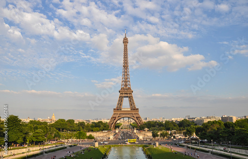 Cadres-photo bureau Batiment Urbain Eiffel tower