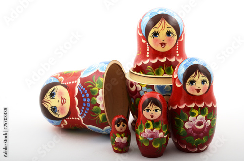 Fotografía  five traditional Russian matryoshka dolls